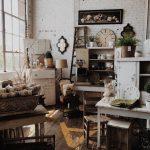 Mit antiken Möbeln zu Hause Atmosphäre schaffen