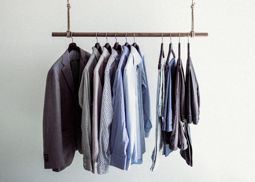 Du musst deinen Kleiderschrank ausmisten